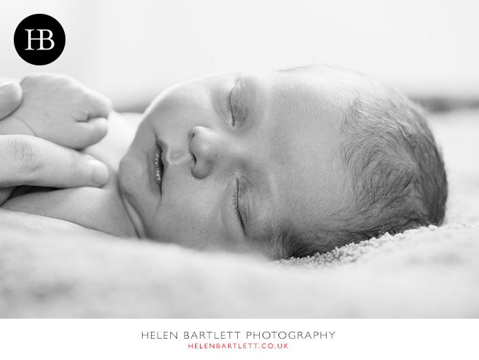 blogImagefamily-photography-with-newborn-baby-highbury-islington-22