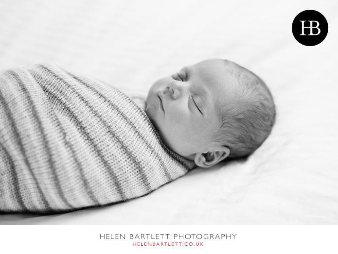 blogImagefamily-photography-with-newborn-baby-highbury-islington-25