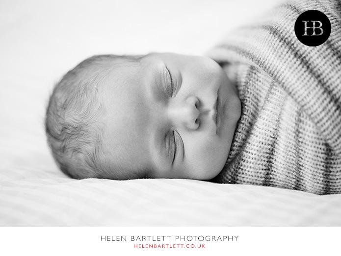 blogImagefamily-photography-with-newborn-baby-highbury-islington-26