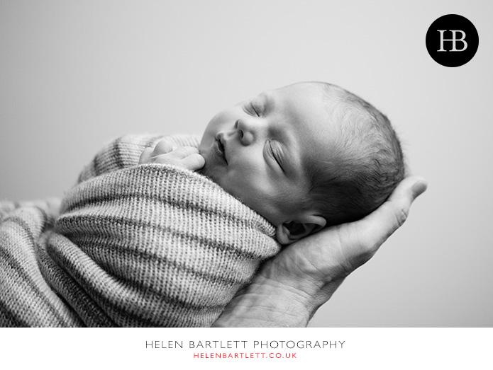 blogImagefamily-photography-with-newborn-baby-highbury-islington-28