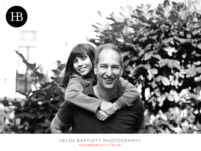 blogImagefamily-photography-in-black-and-white-notting-hill-21