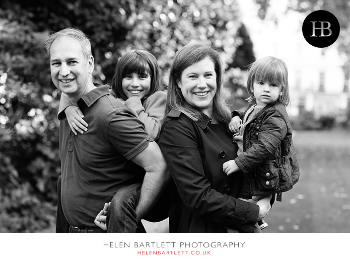 blogImagefamily-photography-in-black-and-white-notting-hill-22