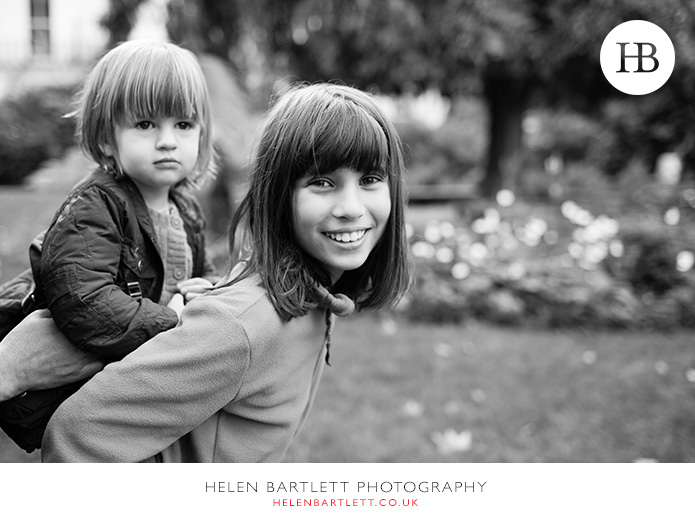 blogImagefamily-photography-in-black-and-white-notting-hill-23