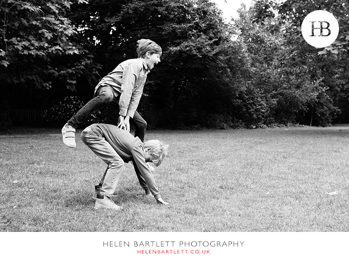 blogImagefamily-photography-with-teenagers-kensington-12