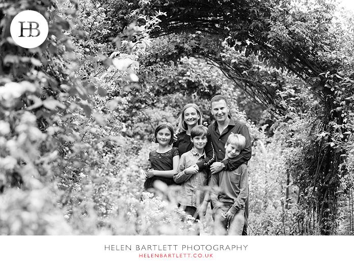 blogImagefamily-photos-older-children-teenagers-kensington-29