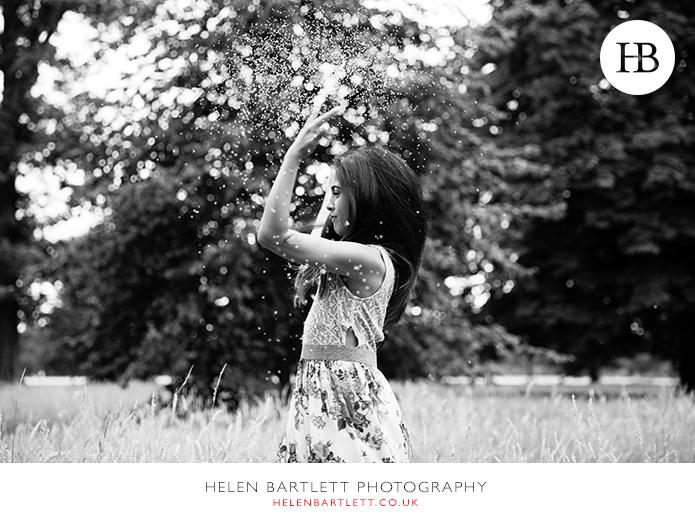 blogImagehyde-park-portrait-photography-playing-long-grass-1