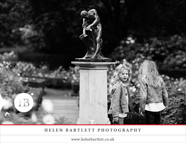 blogImagechildren-and-family-photography-holland-park-london-18