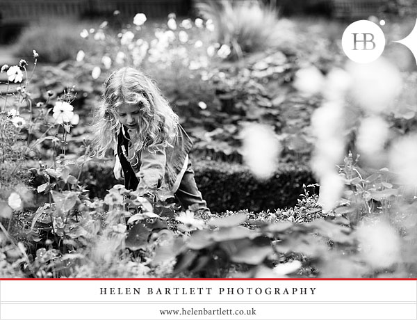 blogImagechildren-and-family-photography-holland-park-london-19