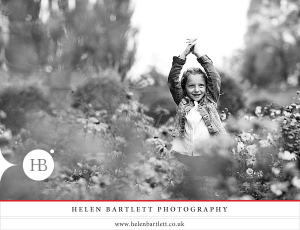 blogImagechildren-and-family-photography-holland-park-london-20