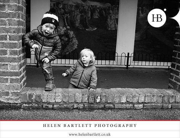 blogImageholland-park-london-family-photography-1