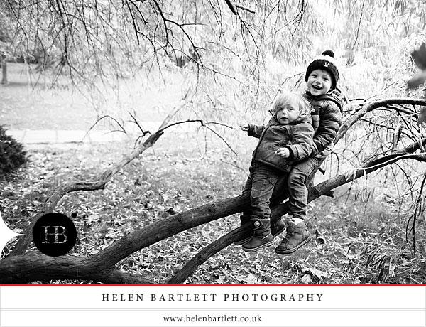 blogImageholland-park-london-family-photography-15