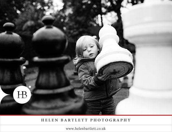 blogImageholland-park-london-family-photography-6