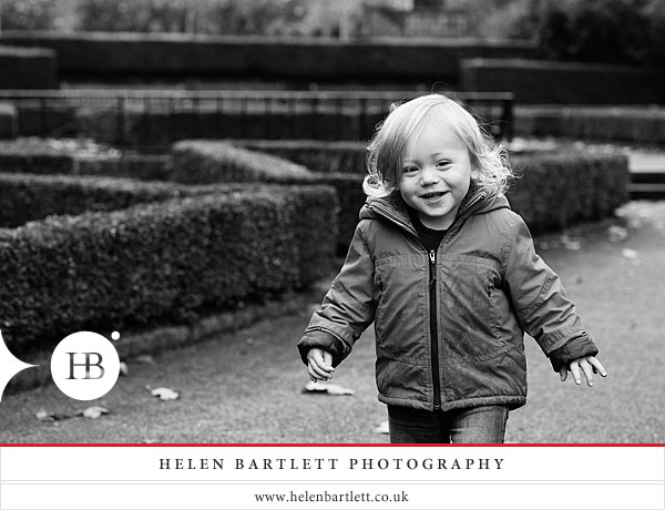 blogImageholland-park-london-family-photography-7