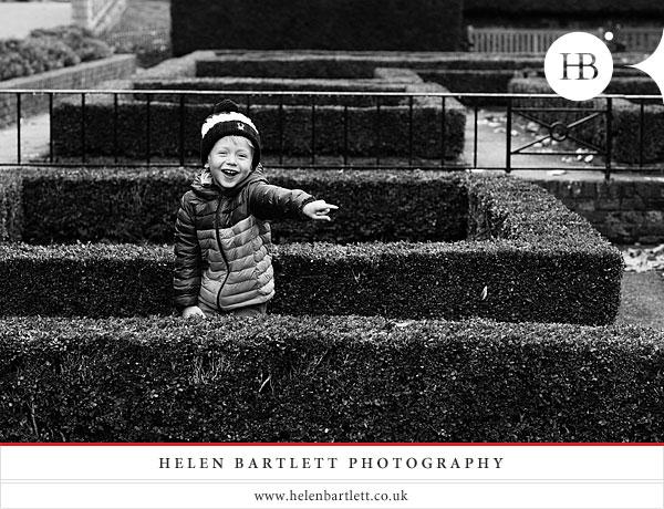 blogImageholland-park-london-family-photography-8