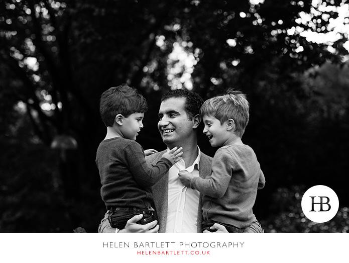 blogImageholland-park-w11-kensington-children-family-photographs-21