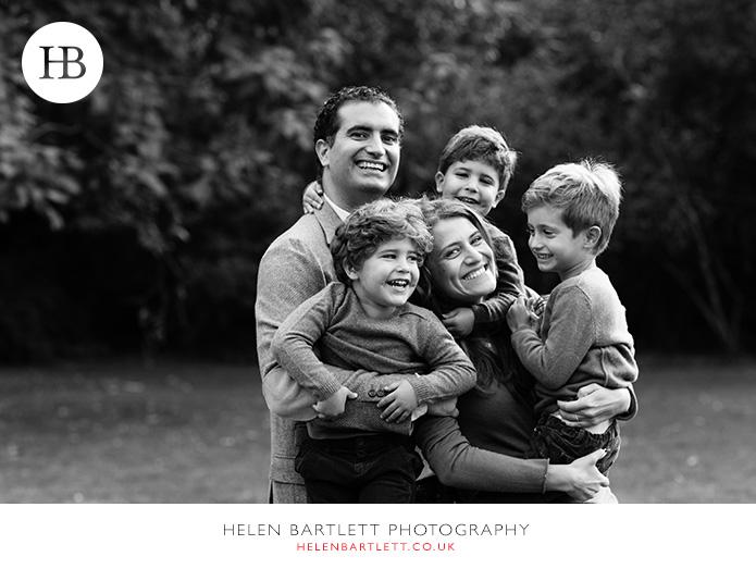 blogImagekensington-holland-park-w11-family-photography-11