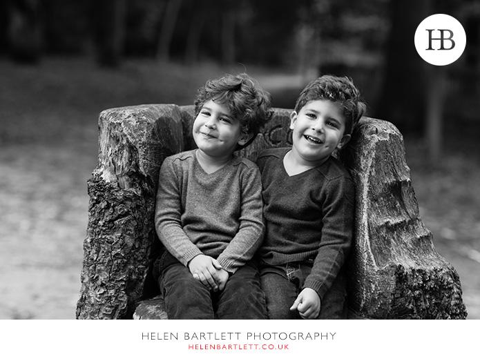 blogImagekensington-holland-park-w11-family-photography-13