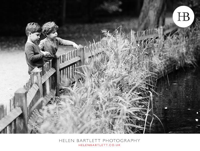 blogImagekensington-holland-park-w11-family-photography-14