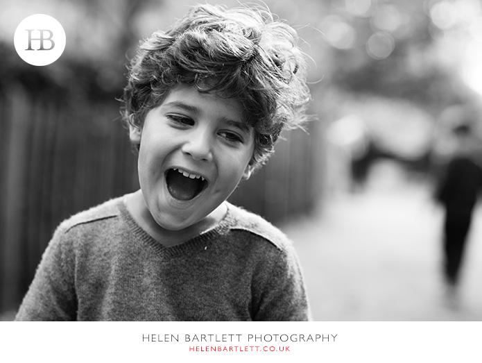 blogImagekensington-holland-park-w11-family-photography-16