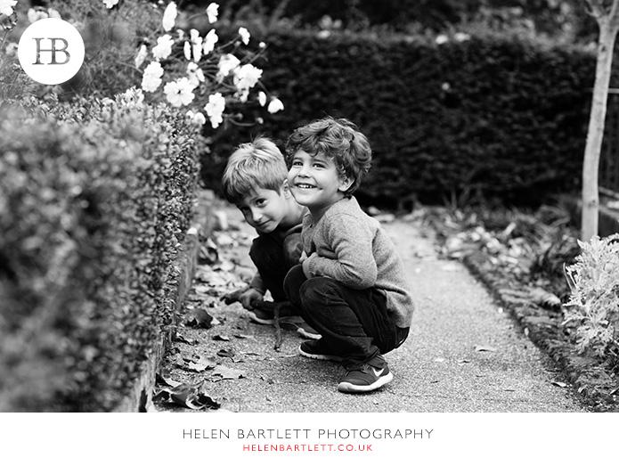 blogImagekensington-holland-park-w11-family-photography-18