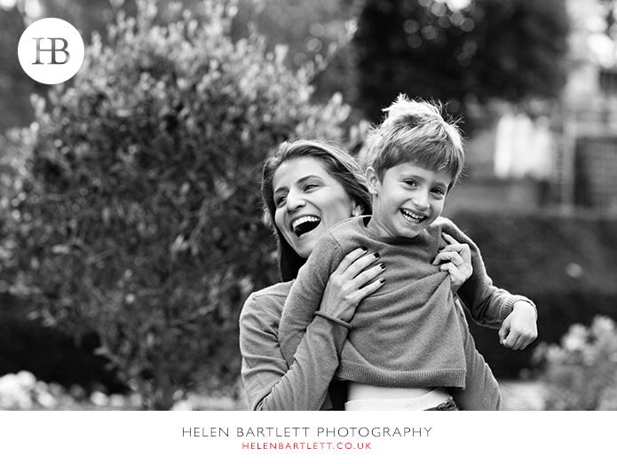 blogImagekensington-holland-park-w11-family-photography-20