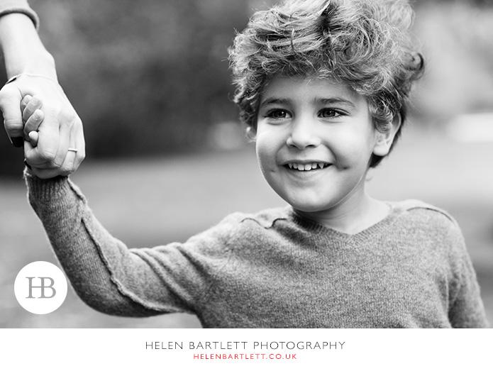 blogImagekensington-holland-park-w11-family-photography-6