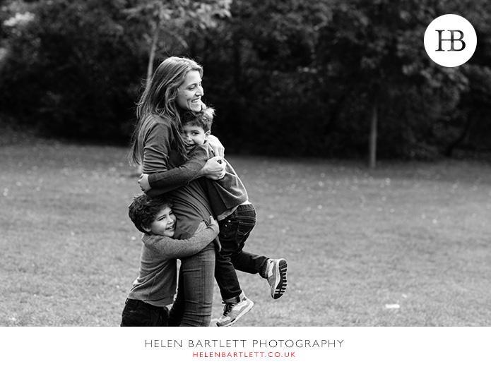 blogImagekensington-holland-park-w11-family-photography-9
