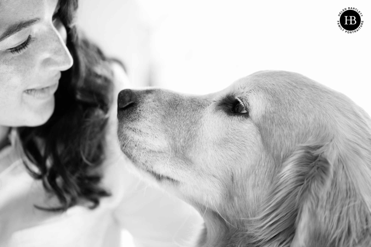 including pets in family photo shoots, mum and dog together