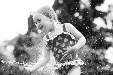 All the love for this summer portrait in black and white.
