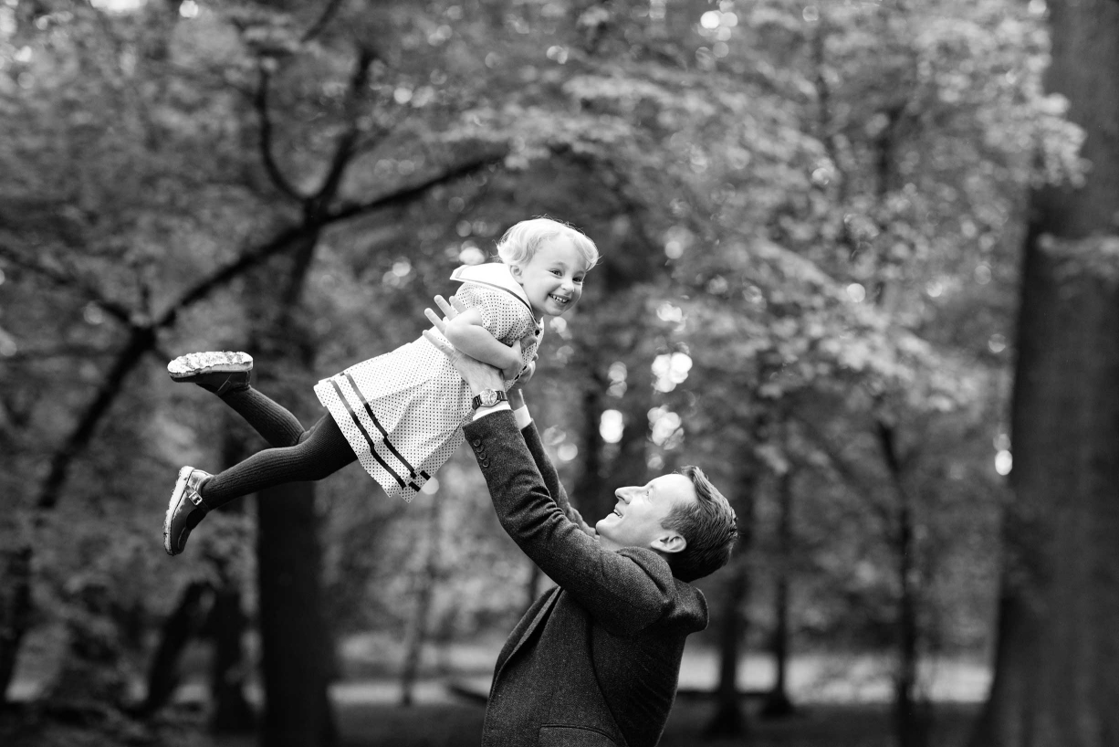 Blackheath trees provide a backdrop for these fun, family portraits.