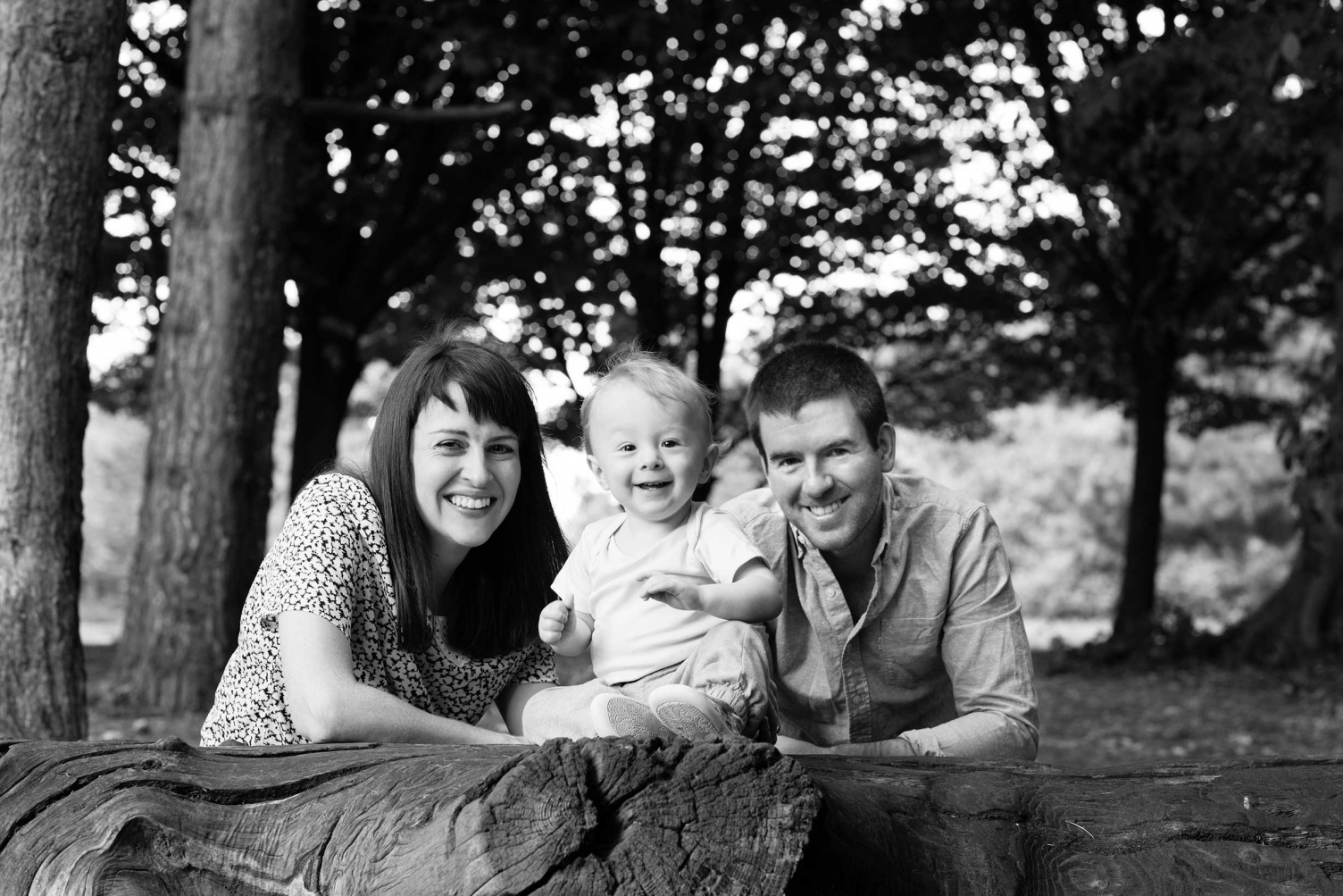 Helen Bartlett is a baby photographer in Richmond, who captures your family life in beautiful black and white photos.
