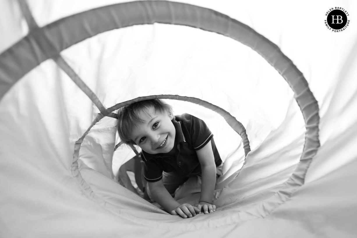 boy-plays-in-tunnel-canon-r3