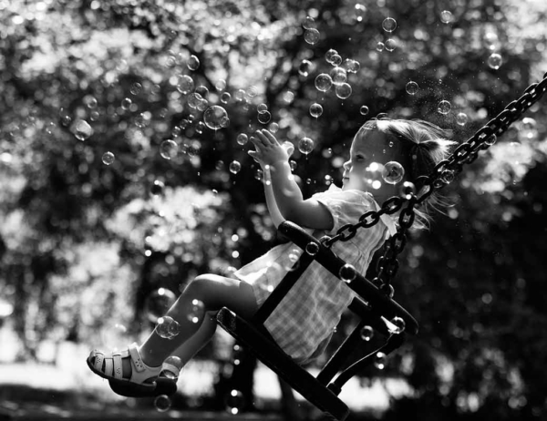 bubbles-in-holland-park