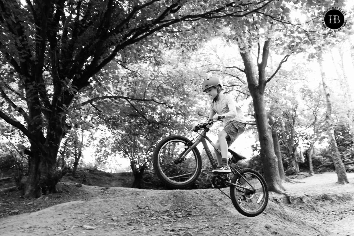 canon-r3-child-bike-jump