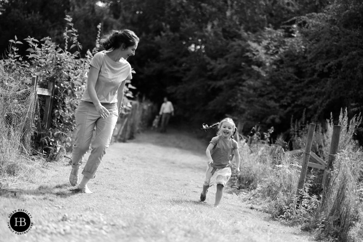 mum and daughter race
